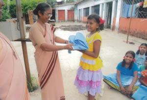 Consegna zanzariere Mahugaon